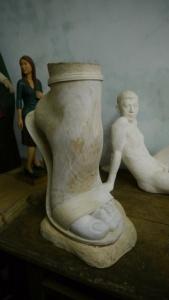 對女性的「腳」有著特別迷戀的情感(作品未完成)