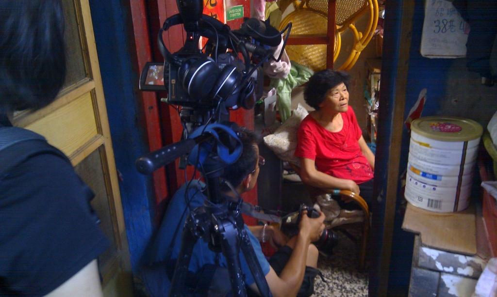 高俊宏於紹興社區拍攝專訪